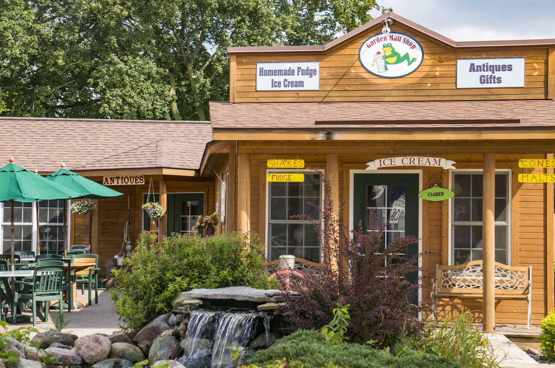 Garden Pub Malt Shop